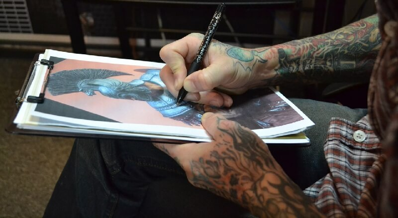 Как общаться с татуировщиком - Вопросы тату-мастеру - Общение с тату-мастером
