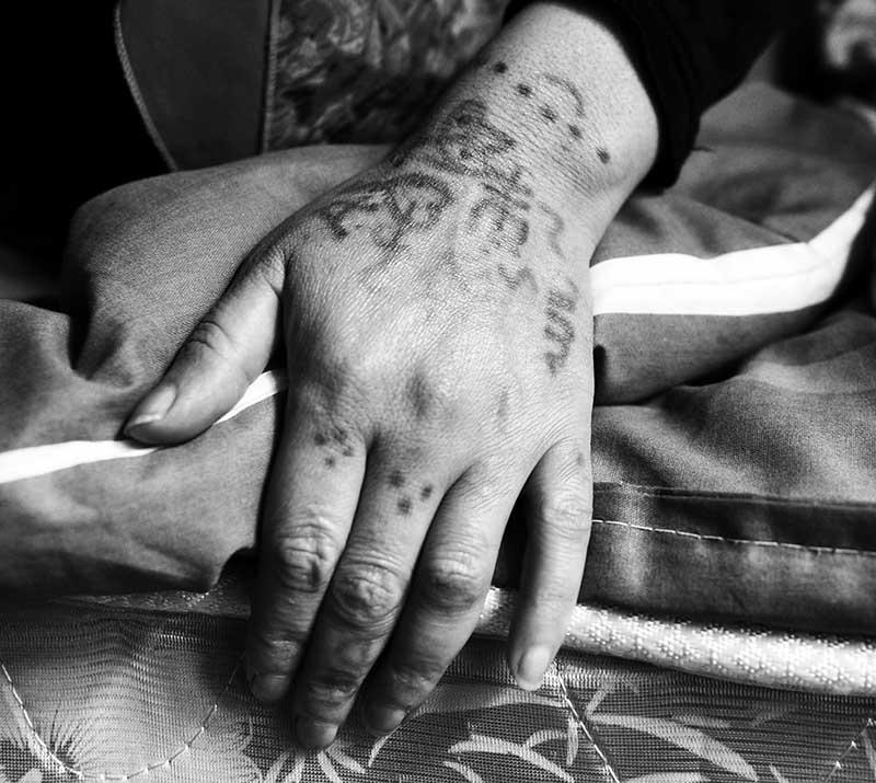 Тату на пальце - Тату точки на пальце - Татуировка точки на пальце