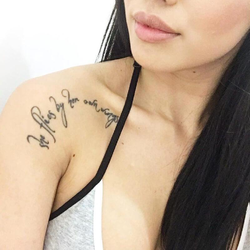 Тату надписи на ключице женские - татуировки на ключице для девушек надпись