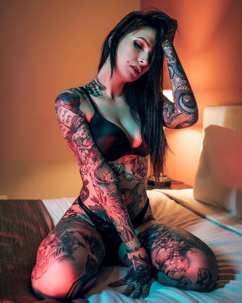 writing-tattoo-female-nude-tiffani-thiessen-harcore-nude