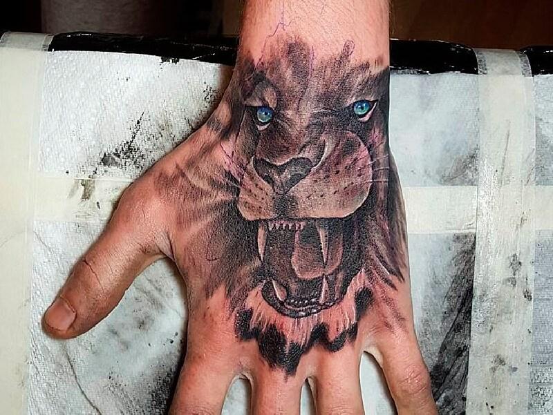 мужские тату на кисти руки - тату на кисти руки для мужчин - тату на кисти лев